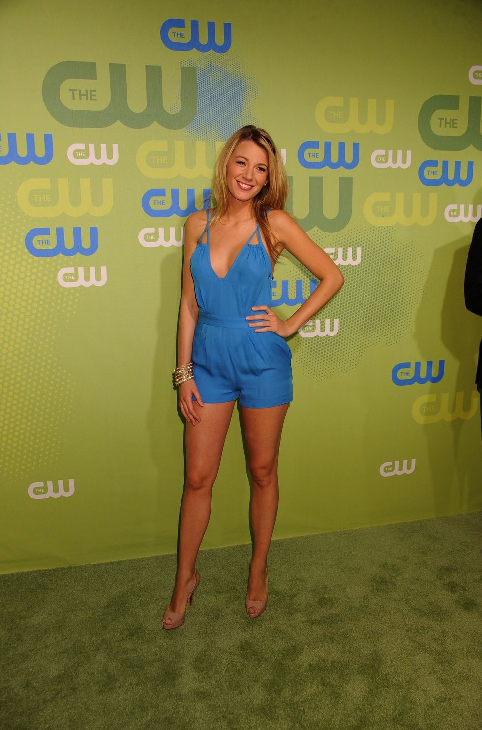 blake-lively-2009-the-cw-network-upfront-in-new-york-12