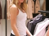 blake-lively-at-chanel-boutique-09