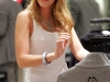 blake-lively-at-chanel-boutique-14