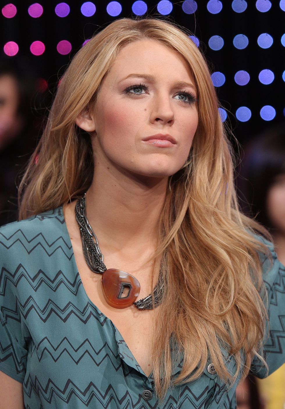 blake-lively-at-mtvs-total-request-live-01