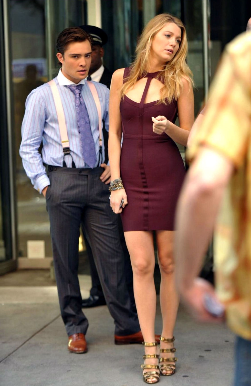 blake-lively-candids-on-the-set-of-gossip-girl-04