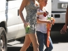blake-lively-cleavage-candids-on-gossip-girl-set-in-new-york-07
