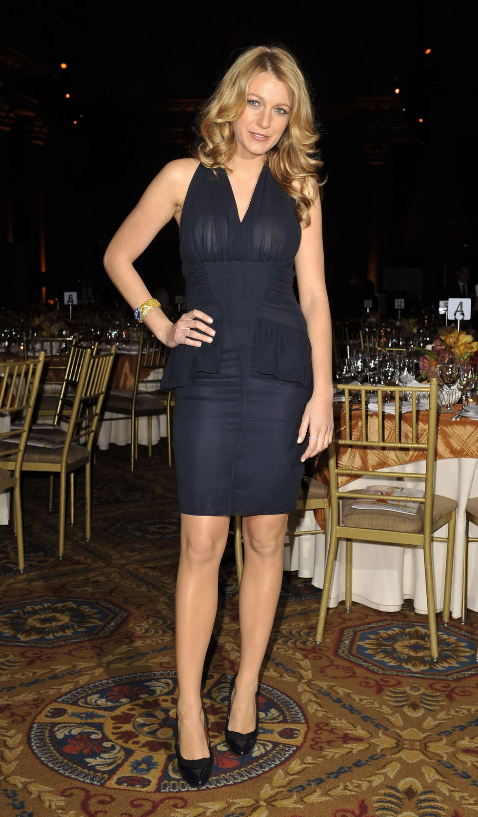 blake-lively-fashion-groups-25th-annual-night-of-stars-in-new-york-01