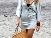 blake-lively-filming-gossip-girl-on-the-beach-in-new-york-08