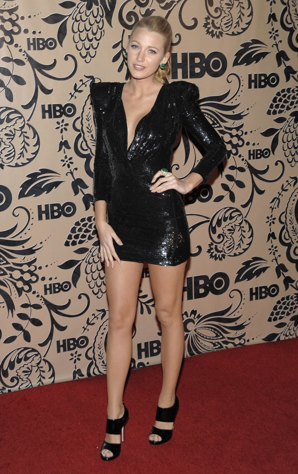 blake-lively-hbo-emmy-party-in-west-hollywood-01