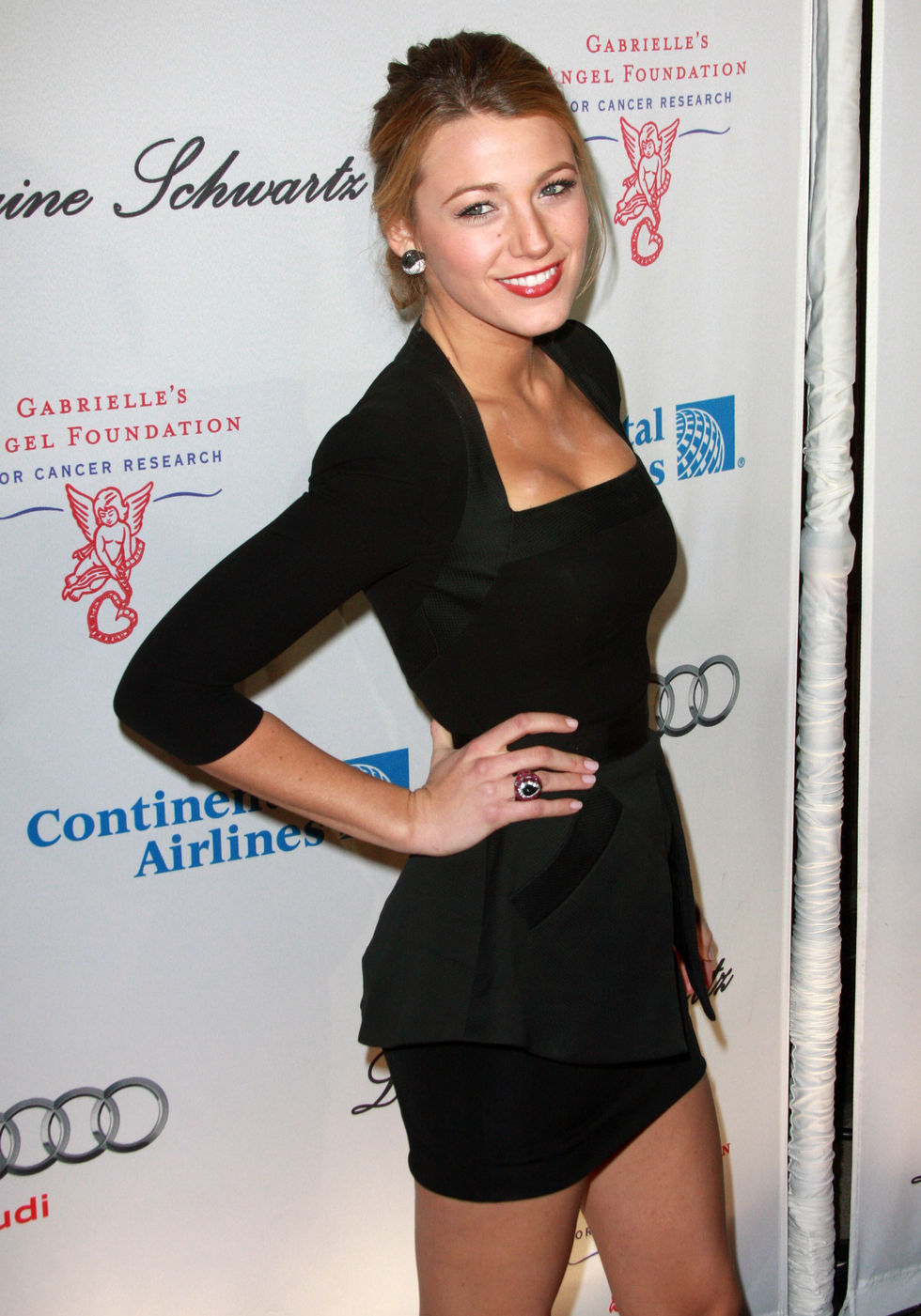 blake-lively-leggy-at-2009-angel-ball-22
