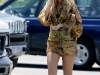 blake-lively-leggy-on-the-set-of-gossip-girls-in-new-york-04
