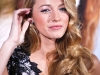 blake-lively-shows-cleavage-at-where-the-wild-things-are-premiere-02