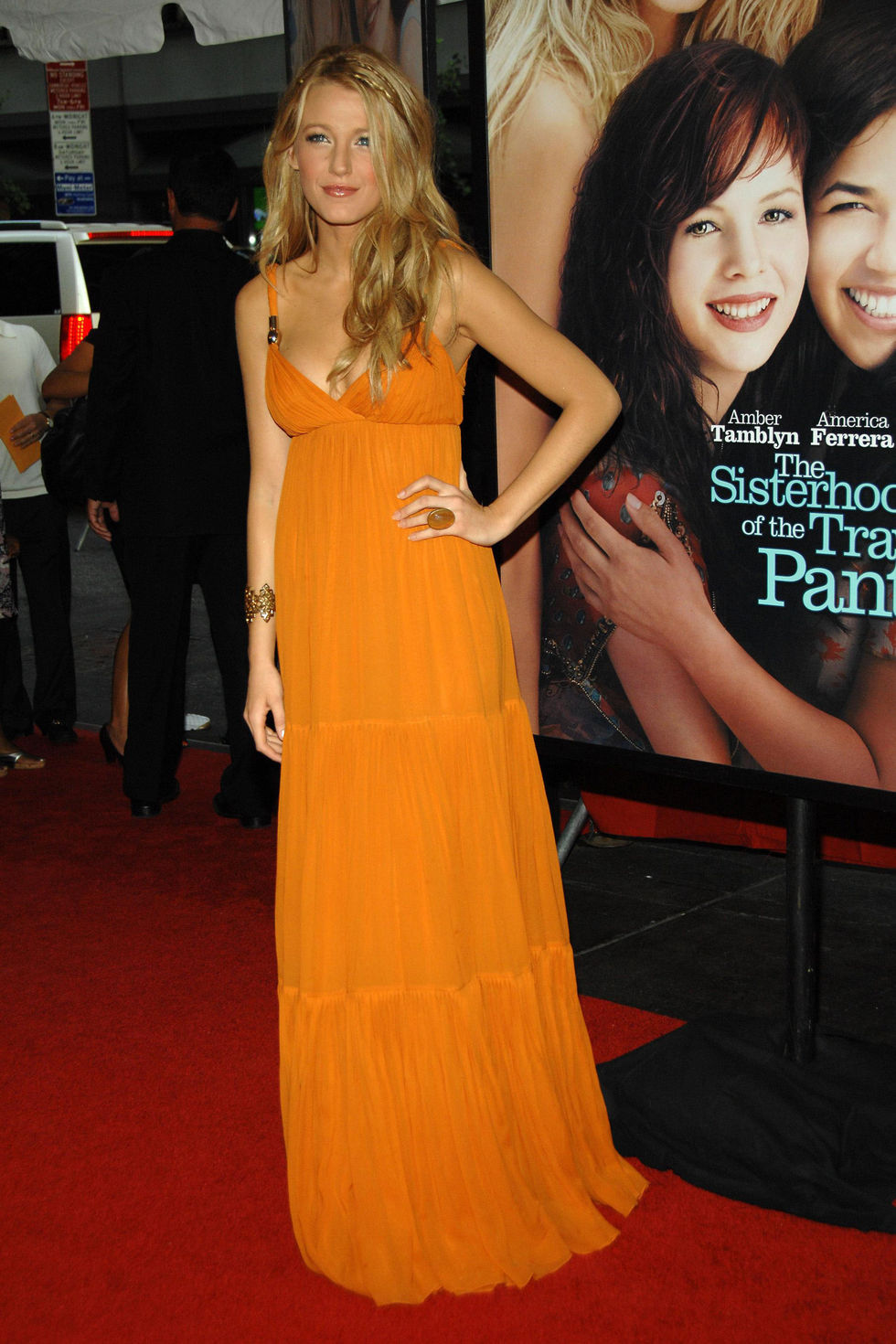 blake-lively-the-sisterhood-of-the-traveling-pants-2-premiere-in-new-york-01