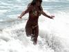 britney-spears-bikini-candids-at-a-beach-in-costa-rica-05