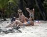 britney-spears-bikini-candids-at-a-beach-in-costa-rica-06