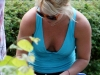 britney-spears-cleavage-candids-at-the-london-zoo-07