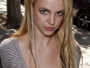 britney-spears-cleavage-candids-in-hollywood-04
