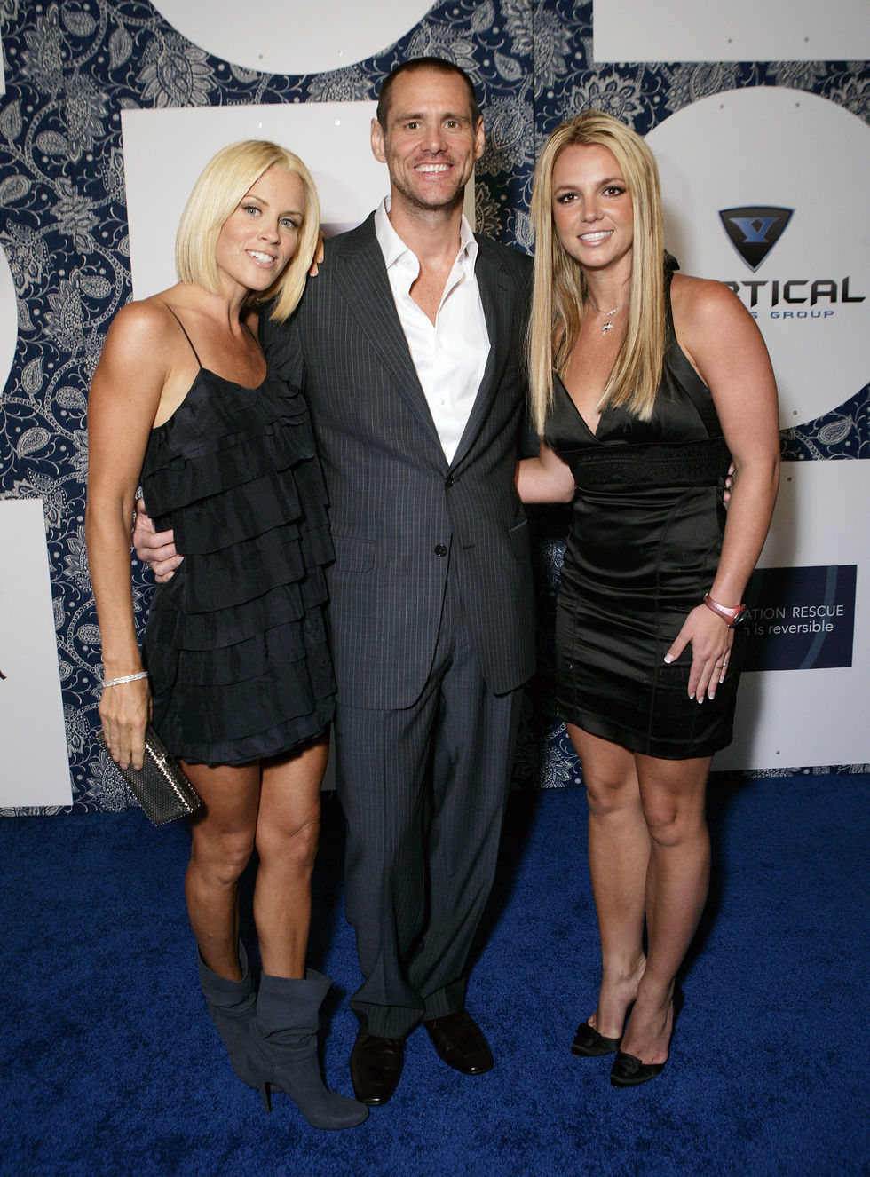 britney-spears-generation-rescues-event-in-los-angeles-01