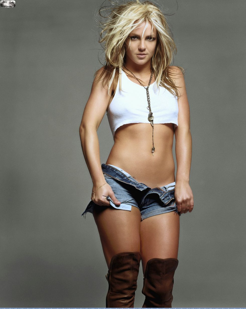 I'm Loving You - Padsky [pris en charge par Laxy #1] Britney-spears-gq-magazine-2003-photoshoot-uhq-24