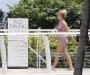 britney-spears-in-bikini-by-the-pool-in-miami-05
