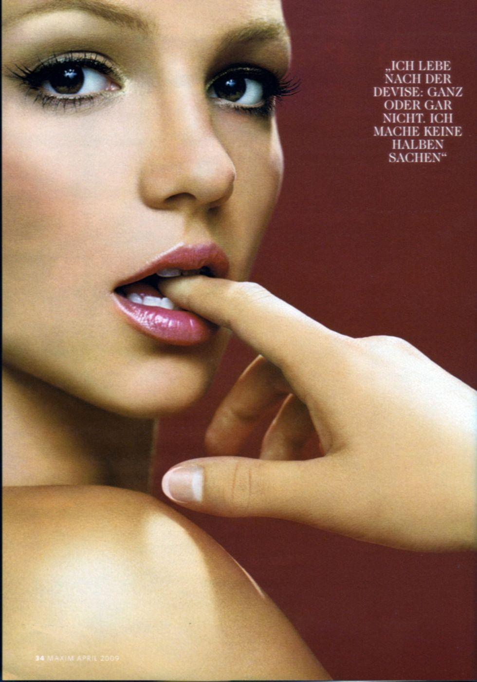 britney-spears-maxim-germany-magazine-april-2009-02