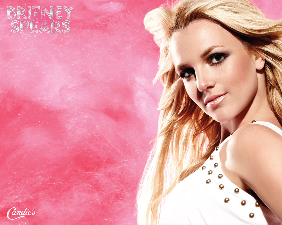 britney-spears-official-candies-wallpapers-01