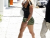 britney-spears-shopping-on-robertson-blvd-in-hollywood-07