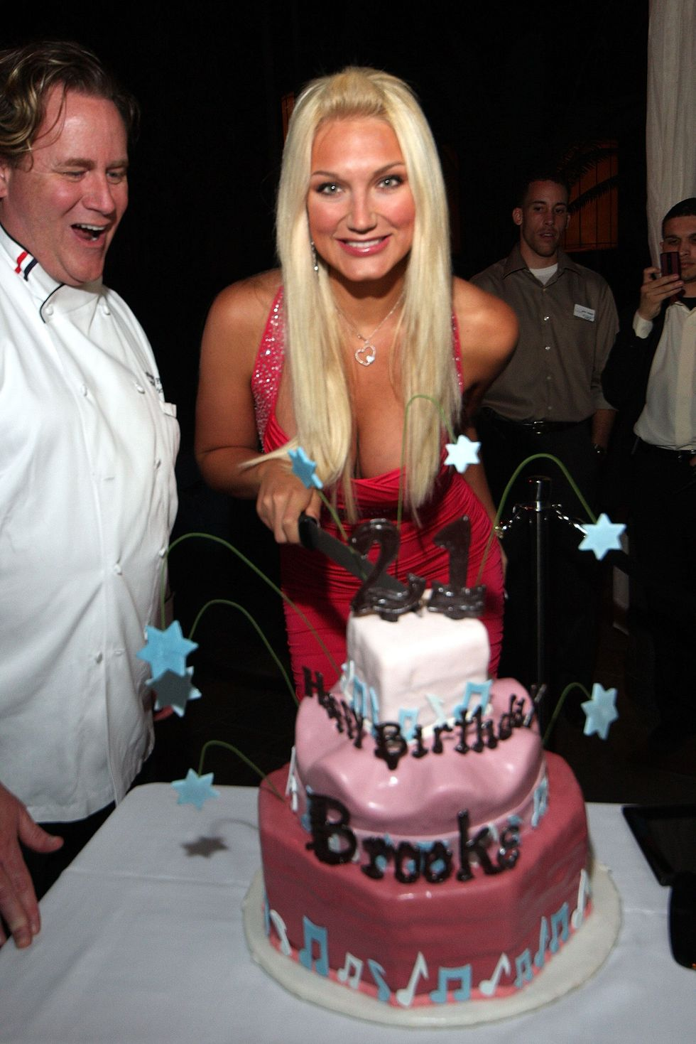brooke-hogan-21st-birthday-party-at-the-pool-in-atlantic-city-01