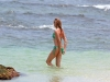 cameron-diaz-bikini-candids-in-hawaii-05