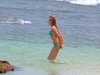 cameron-diaz-bikini-candids-in-hawaii-15