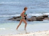 cameron-diaz-bikini-candids-in-hawaii-18