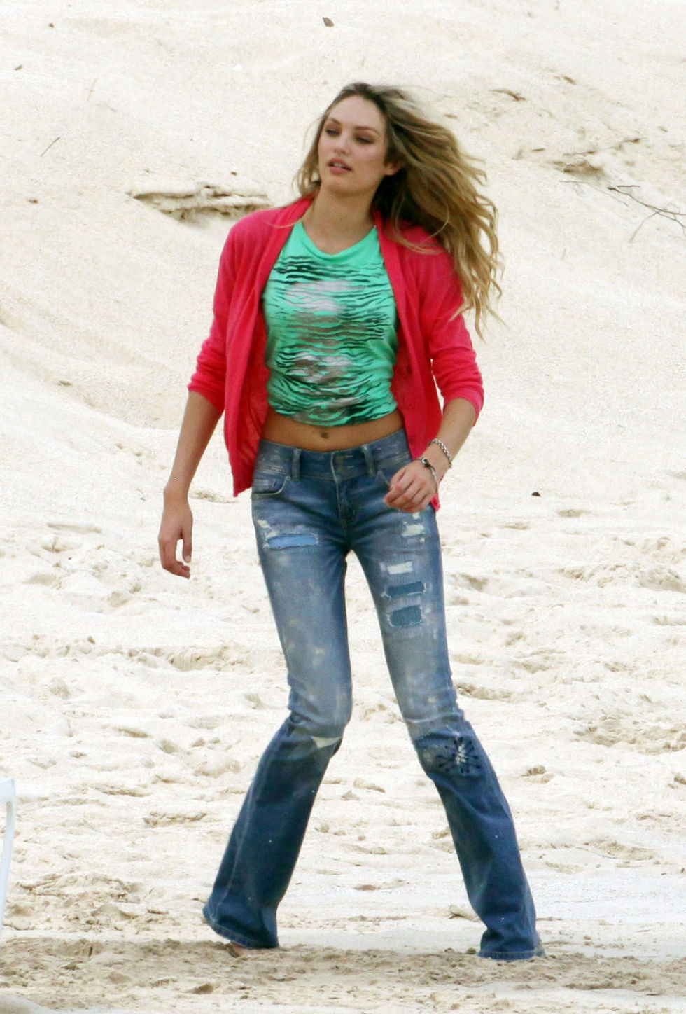doutzen-kroes-photoshoot-candids-at-the-beach-in-st-barths-01