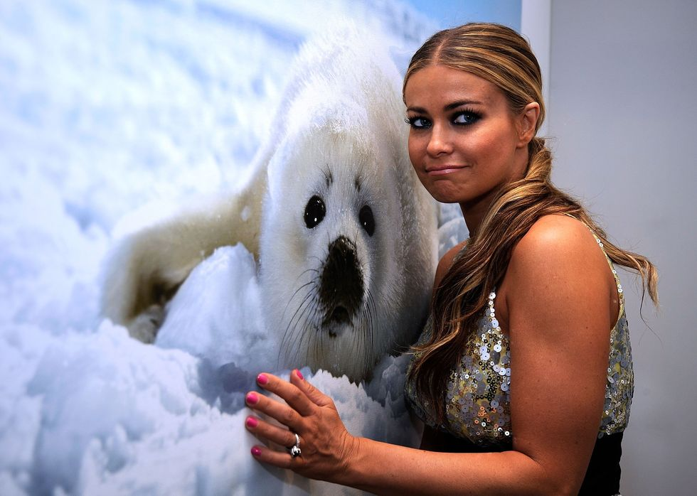 carmen-electra-a-sealed-fate-photography-exhibition-in-beverly-hills-01