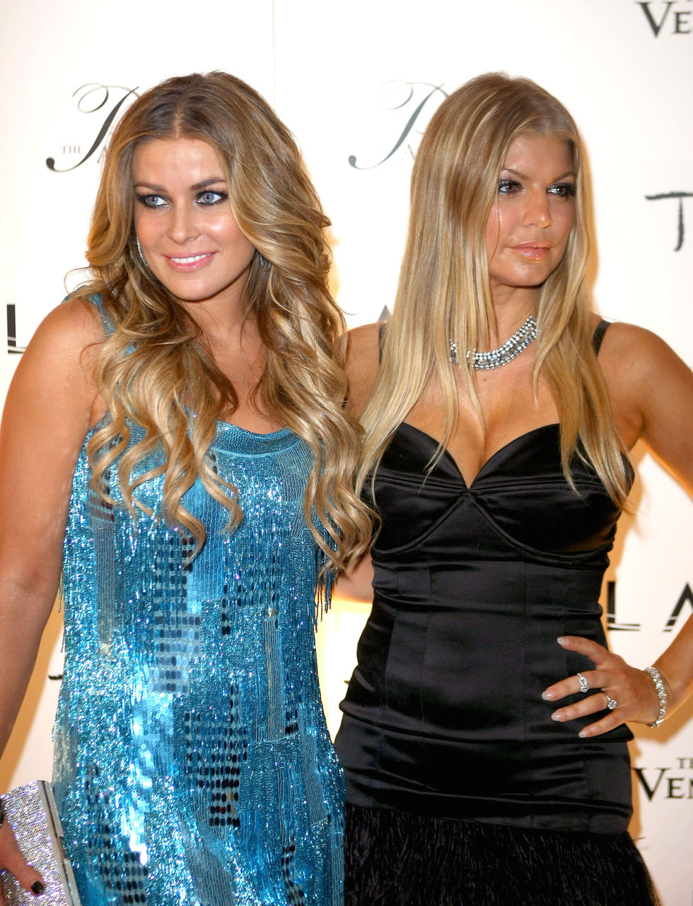 carmen-electra-and-fergie-host-new-years-eve-party-in-las-vegas-04