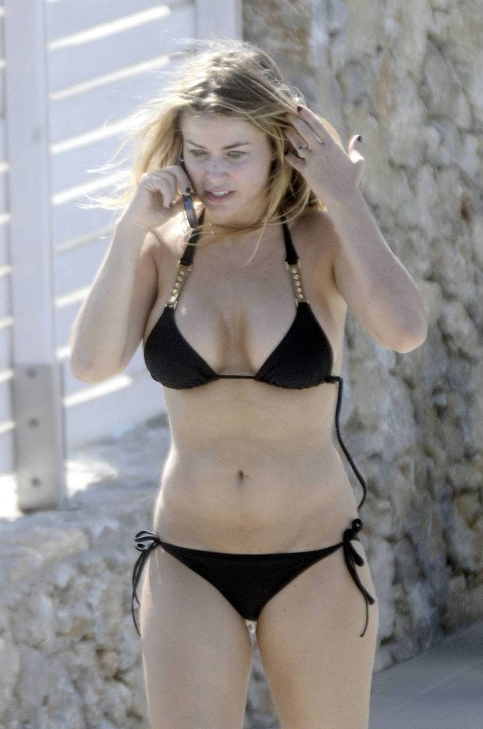carmen-electra-bikini-candids-on-kos-island-in-greece-01