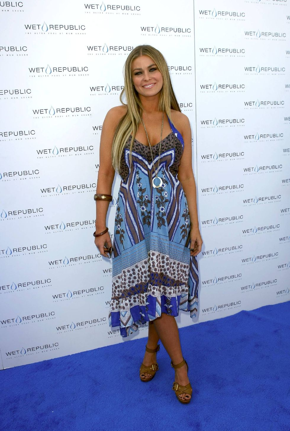 carmen-electra-wet-republics-2009-launch-of-daylife-sundays-in-las-vegas-01
