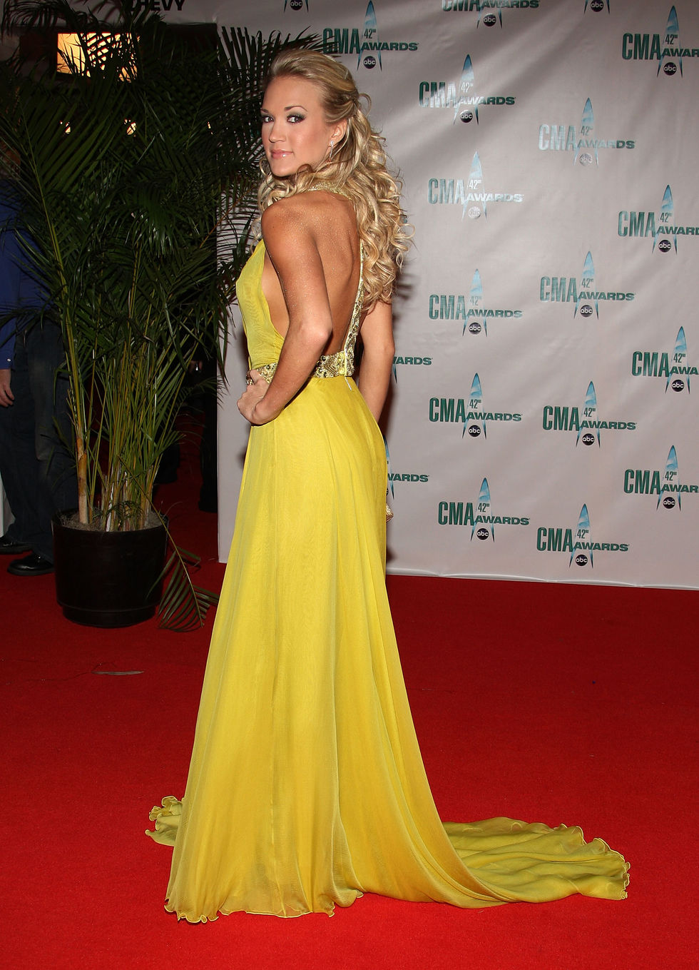 carrie-underwood-42nd-annual-cma-awards-in-nashville-01