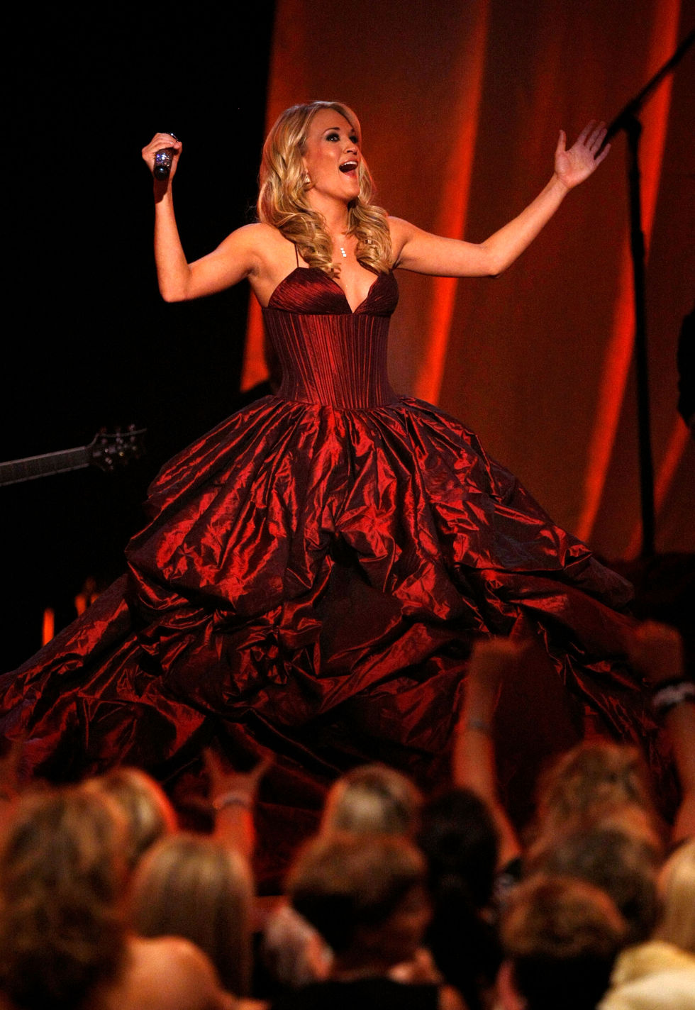 carrie-underwood-44th-annual-academy-of-country-music-awards-01