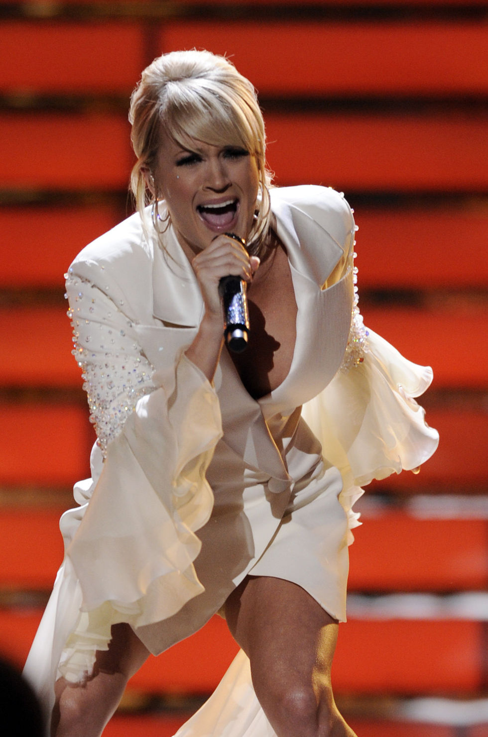 carrie-underwood-american-idol-grand-finale-2008-01