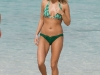 carrie-underwood-bikini-candids-at-the-beach-in-bahamas-13