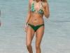 carrie-underwood-bikini-candids-at-the-beach-in-bahamas-13