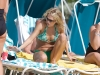 carrie-underwood-bikini-candids-at-the-beach-in-bahamas-17