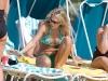 carrie-underwood-bikini-candids-at-the-beach-in-bahamas-17