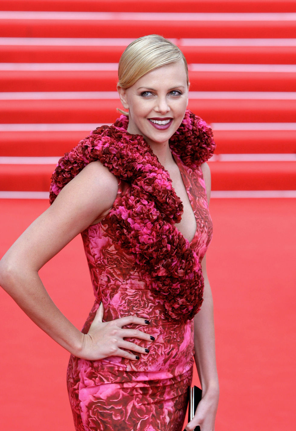 charlize-theron-moscow-film-festival-opening-ceremony-01