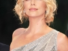 charlize-theron-the-burning-plain-premiere-in-venice-09