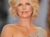 charlize-theron-the-burning-plain-premiere-in-venice-14