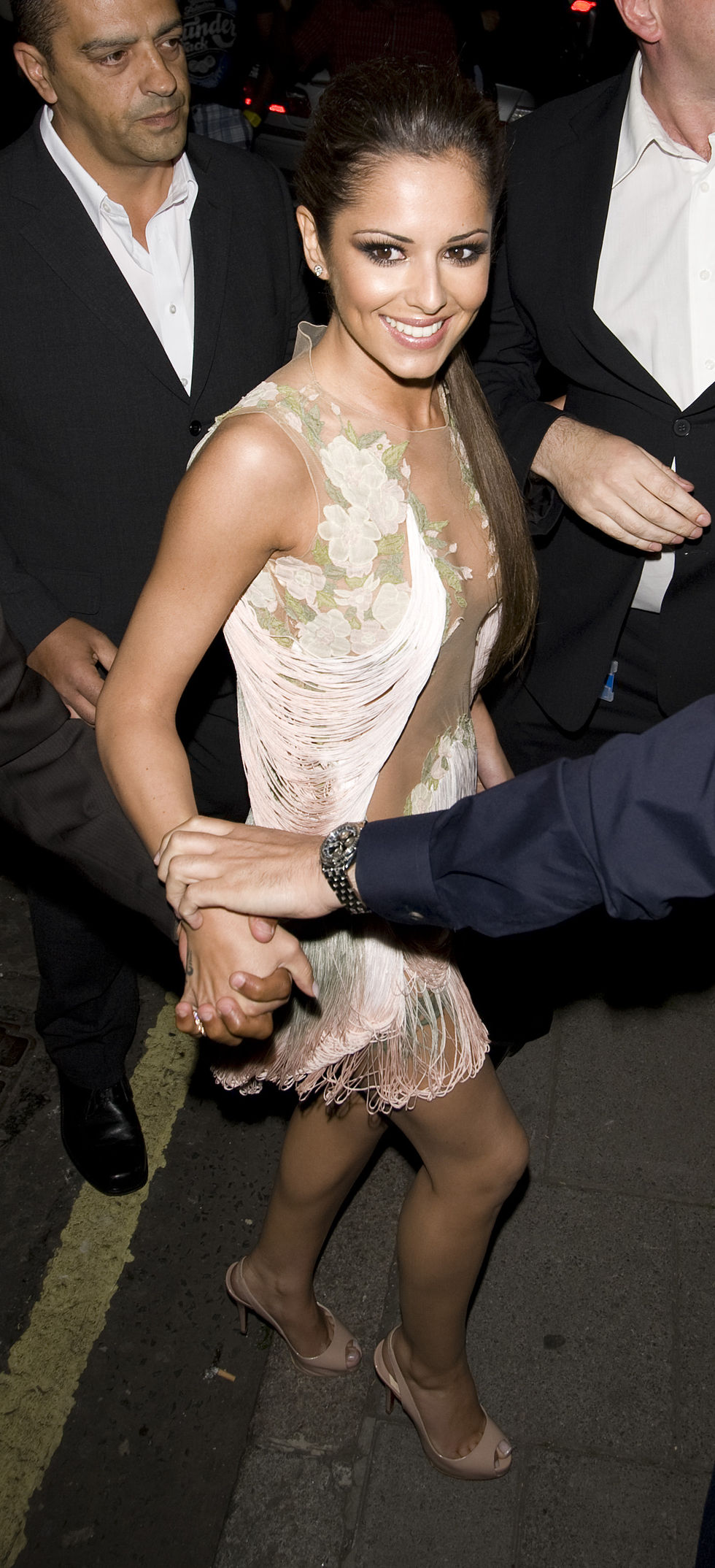 cheryl-cole-candids-at-mayfair-hotel-in-london-01