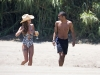 cheryl-cole-on-the-beach-in-costa-del-sol-04