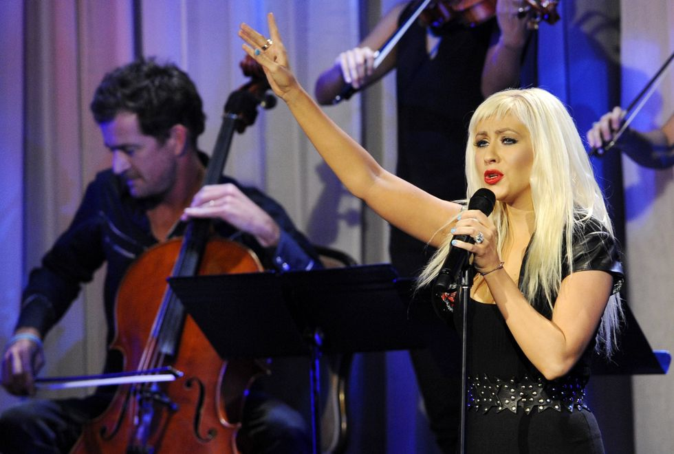 christina-aguilera-an-evening-with-women-celebrating-art-music-and-equality-in-beverly-hills-01