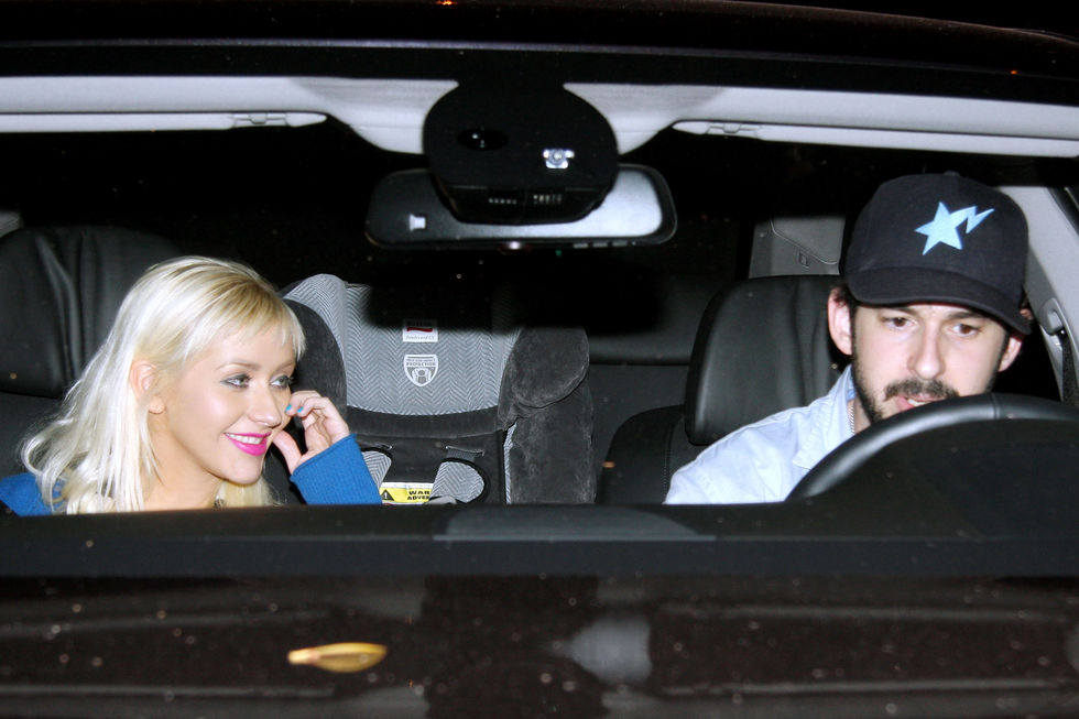 christina-aguilera-at-osteria-mozza-in-los-angeles-2-01