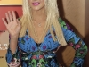 christina-aguilera-at-press-conference-in-abu-dhabi-08