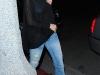 christina-aguilera-blue-bra-candids-in-venice-beach-01