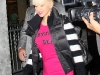 christina-aguilera-candids-in-los-angeles-2-08