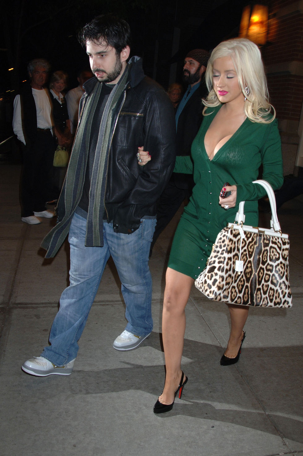 christina-aguilera-cleavage-candids-at-the-soho-grand-hotel-in-new-york-city-03